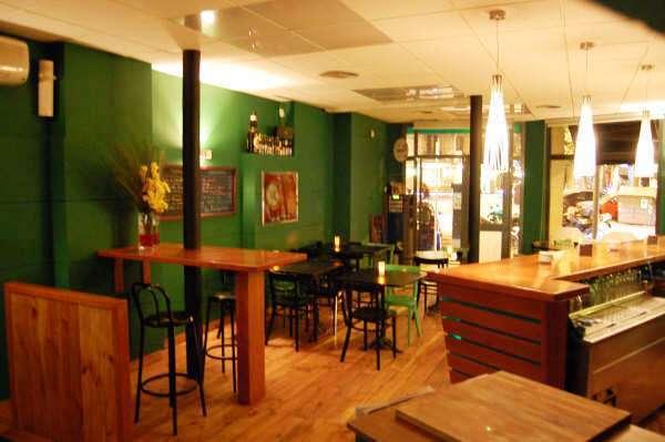 Salón Cervecería Xalupada por L'AGABE.