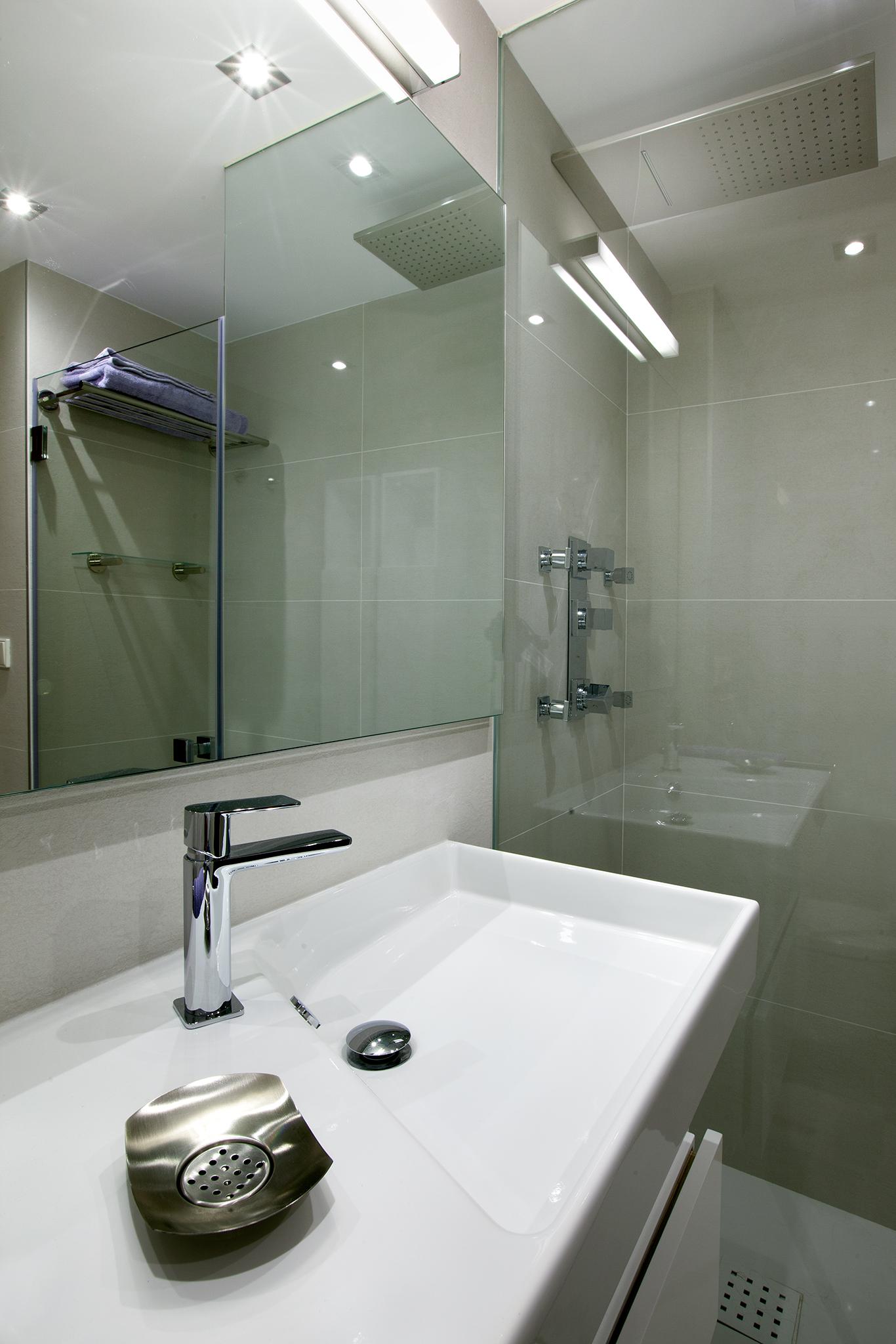 Baño contemporaneo diseño LAGABE Interiorismo (4)
