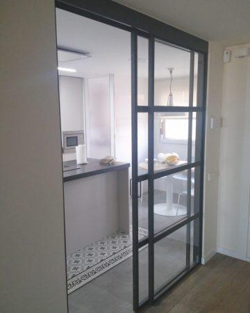 Puerta de cocina.